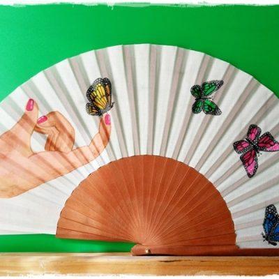 Abanico con mariposas